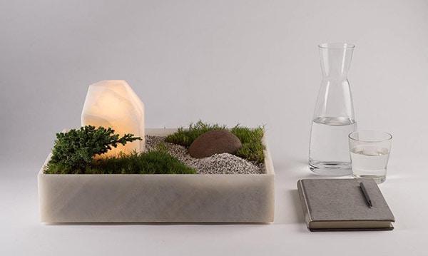 un mini jardin illumin 233 pour un peu de zen au bureau l aetherium manufacture d image